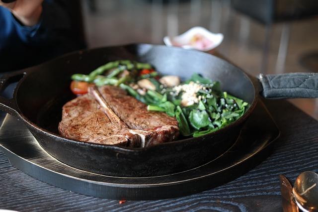 e032b9092df01c3e81584d04ee44408be273e4d119b8134890f9_640_steak